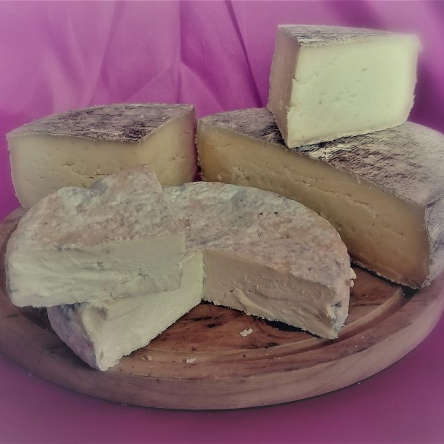 FROMAGES FERMIERS VACHE ISERE