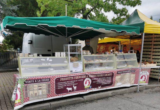 le marché de morestel dans l'isère